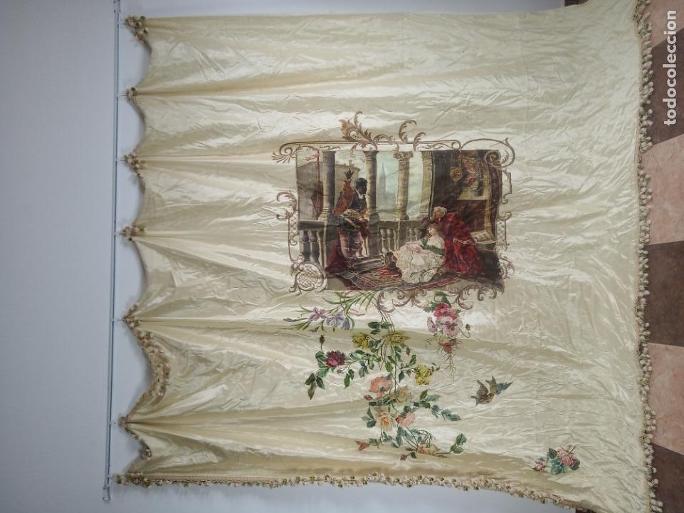 Arte: Espectacular obra pintada sobre colcha de seda con bellísimas borlas. Pieza única. Siglo XIX. - Foto 2 - 192068632