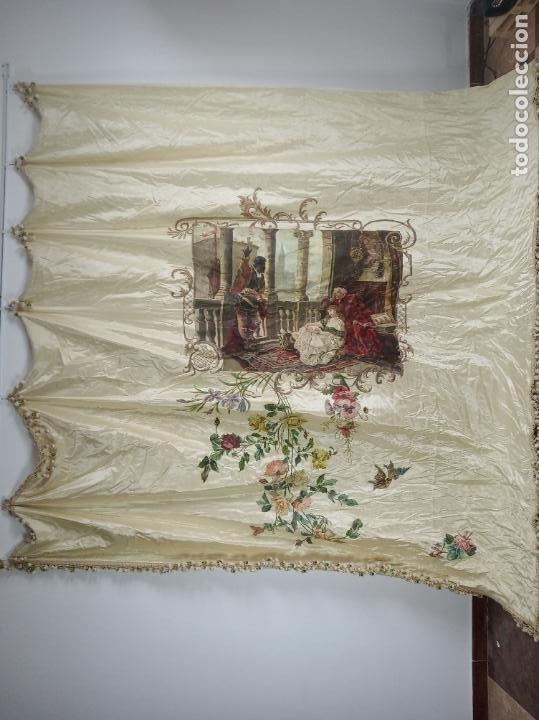 Arte: Espectacular obra pintada sobre colcha de seda con bellísimas borlas. Pieza única. Siglo XIX. - Foto 3 - 192068632