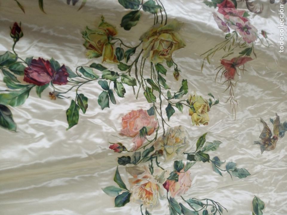 Arte: Espectacular obra pintada sobre colcha de seda con bellísimas borlas. Pieza única. Siglo XIX. - Foto 7 - 192068632