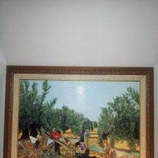 Arte: ESCENA CAMPESTRE DE HOMBRES VAREANDO Y RECOGIENDO LA OLIVA. OLEO SOBRE LIENZO. FIRMADO Y FECHADO.. Lote 193183205