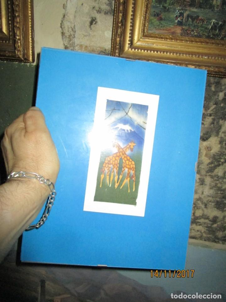 Arte: antigua pintura en tela jirafas firmado - Foto 5 - 210809406