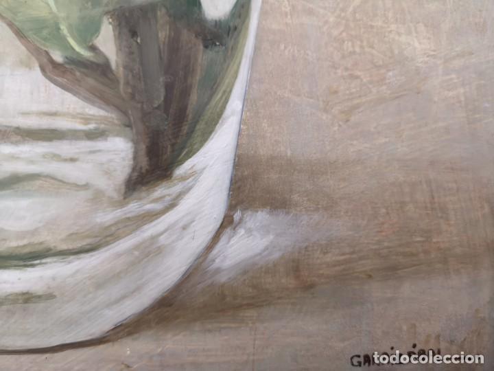 Arte: Garaizábal, Javier. (Ferrol, A Coruña, 1944). Vaso con flor. Óleo sobre tabla. - Foto 3 - 210943964