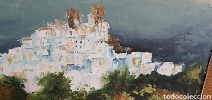 Arte: Bonito cuadro al oleo sobre lienzo paisaje pueblo con casas blancas y castillo. Firmado brito 77 - Foto 4 - 211731704