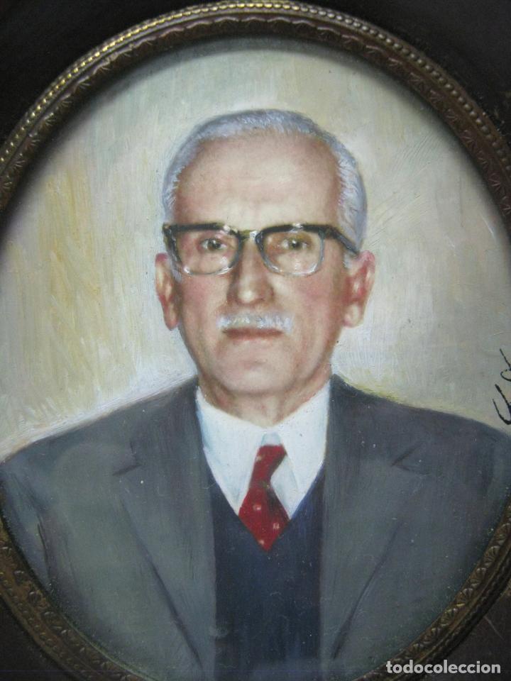 Arte: Antigua pintura miniatura catalana firmada - Retrato masculino Caballero s.XX - Foto 2 - 213824030