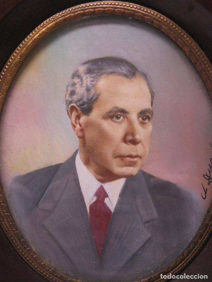 Arte: Antigua pintura miniatura catalana firmada - Retrato masculino Caballero s.XX - Foto 2 - 213824126