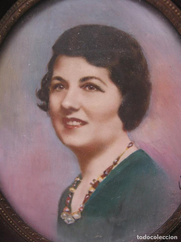 Arte: Antigua pintura miniatura catalana firmada - Retrato femenino Dama s.XX - Foto 2 - 213824170