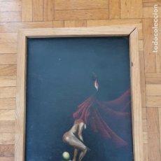 Arte: CUADRO PINTADO AL ÓLEO FIGURA FEMENINA CON CAPA ROJA. Lote 214815623