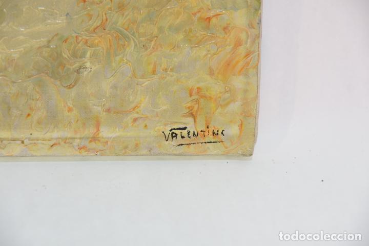 Arte: Oleo sobre lienzo con pintura en relieve. Paisaje de costa con cúpulas y jardín. Firmado. - Foto 4 - 215247551