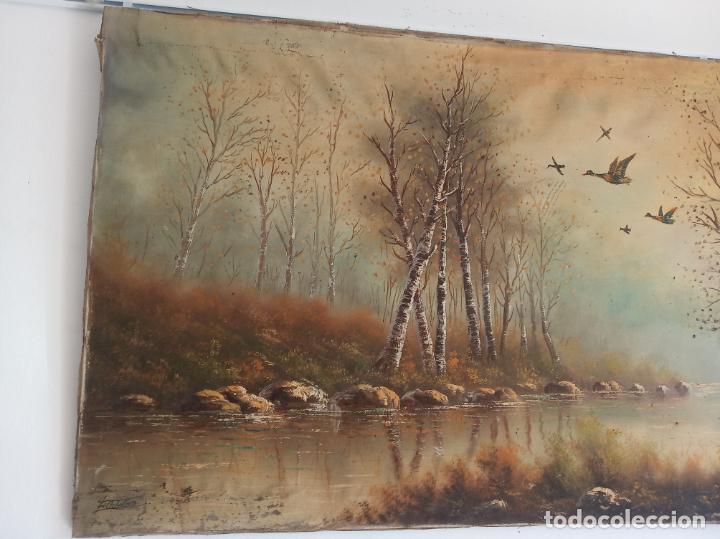 Arte: Gran oleo sobre lienzo escena de caza de patos en el río. Firmado. F. Ochoteco. - Foto 4 - 215620376