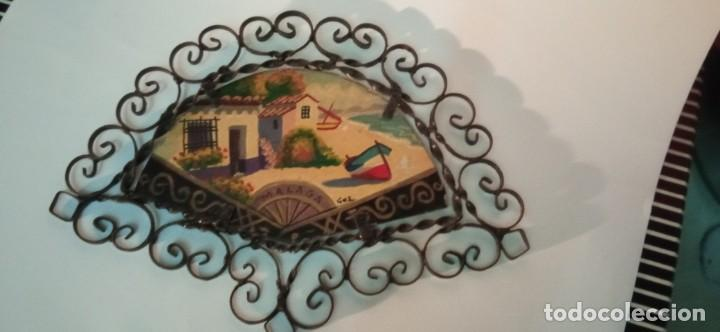 Arte: bonita pintura sobre tablex montada en marco abanico hierro forjado - Foto 3 - 218344745