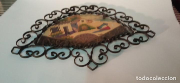 Arte: bonita pintura sobre tablex montada en marco abanico hierro forjado - Foto 5 - 218344745