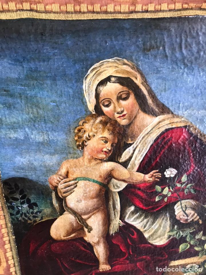 Arte: Óleo del Religioso pegado en una base de madera. Virgen con niño. puede ser del XVIII restaurado. - Foto 2 - 218748517