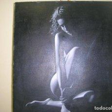 Arte: MUJER SENTADA DE RODILLAS DOBLADAS, DESNUDA, FONDO TODO EN NEGRO .M. RODRÍGUEZ. Lote 219315872
