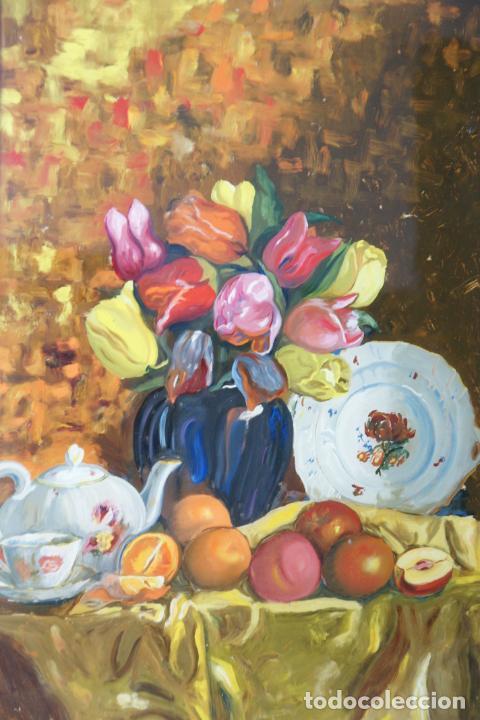 Arte: Bellísimo oleo sobre cristal. Bodegón floral con plato pintado. Siglo XIX-XX. - Foto 2 - 226302378
