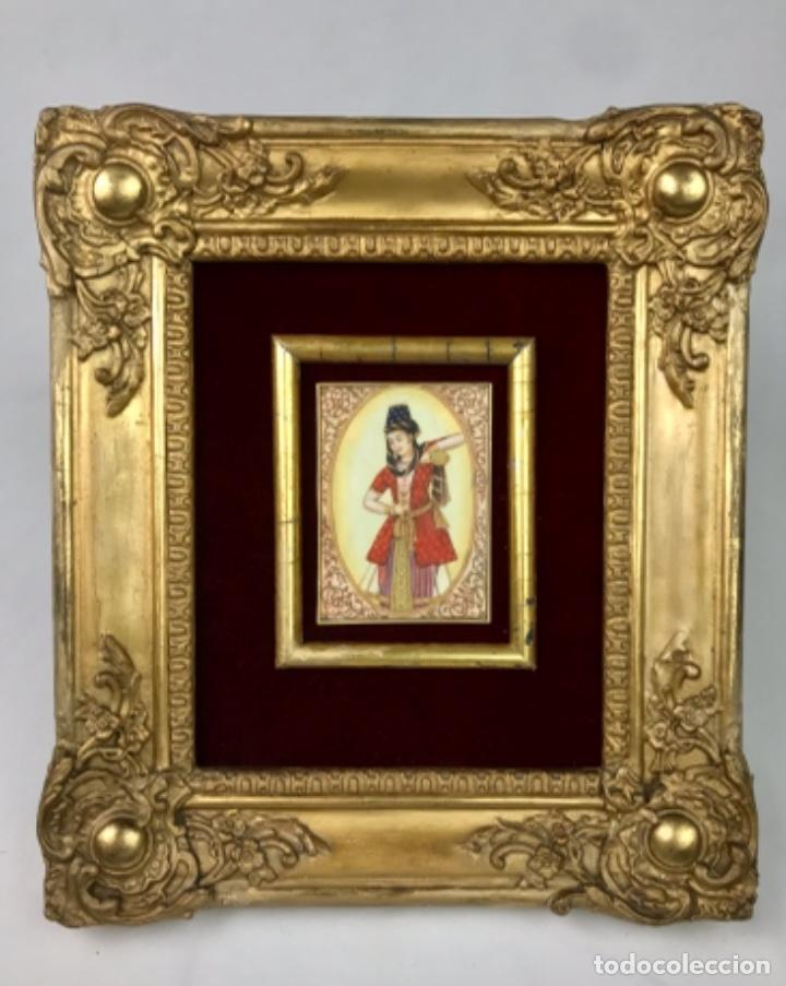 PRECIOSA MINIATURA SOBRE MARFIL ORIENTAL- MUGHAL- REINA MOGUL SG XIX ENMARCADA (Arte - Pintura - Pintura al Óleo Antigua sin fecha definida)