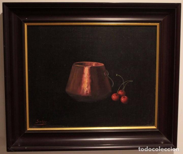 Arte: Soler. Oleo sobre lienzo. Bodegón de cerezas y caldera. Firmado y enmarcado. 53x45cm - Foto 2 - 243382085