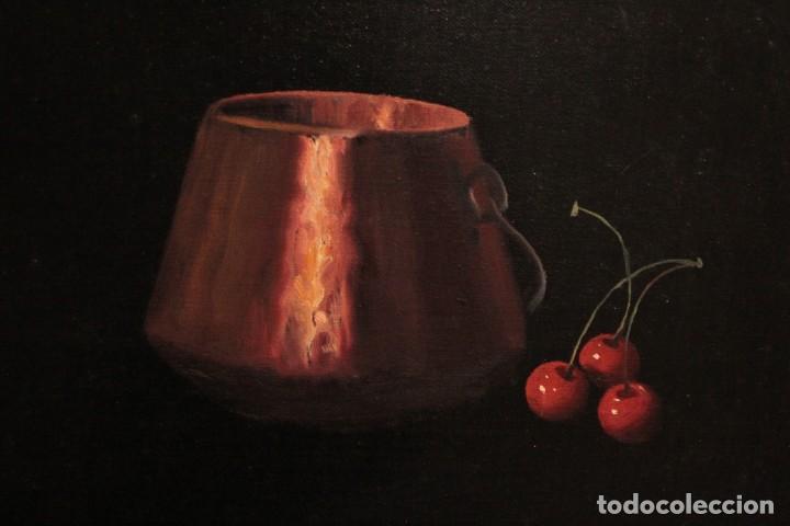 Arte: Soler. Oleo sobre lienzo. Bodegón de cerezas y caldera. Firmado y enmarcado. 53x45cm - Foto 3 - 243382085