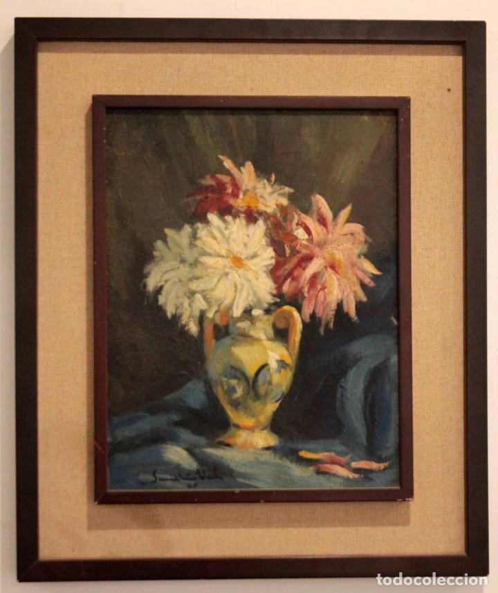 Arte: Jarrón con flores. Oleo de gran calidad, firma ilegible. Enmarcado 50x42cm - Foto 2 - 243383870