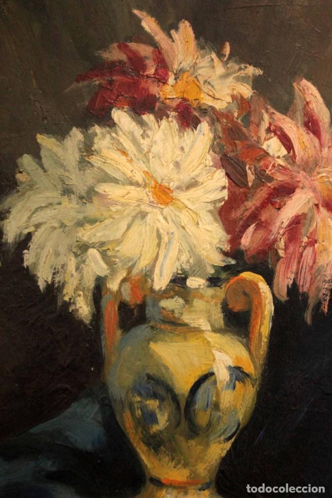 Arte: Jarrón con flores. Oleo de gran calidad, firma ilegible. Enmarcado 50x42cm - Foto 3 - 243383870