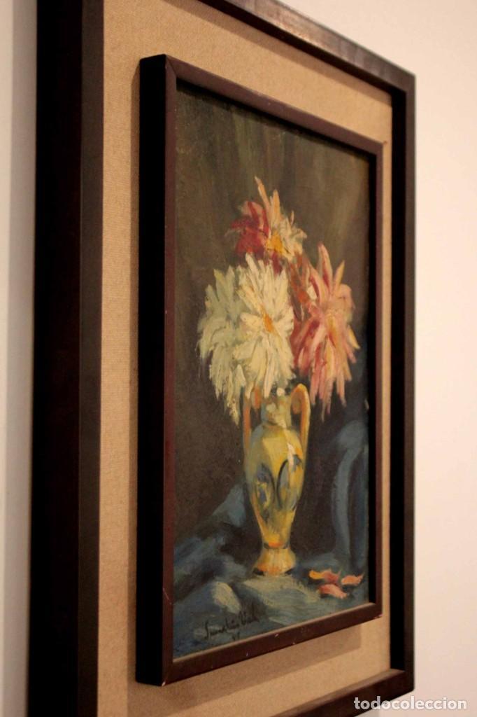 Arte: Jarrón con flores. Oleo de gran calidad, firma ilegible. Enmarcado 50x42cm - Foto 13 - 243383870