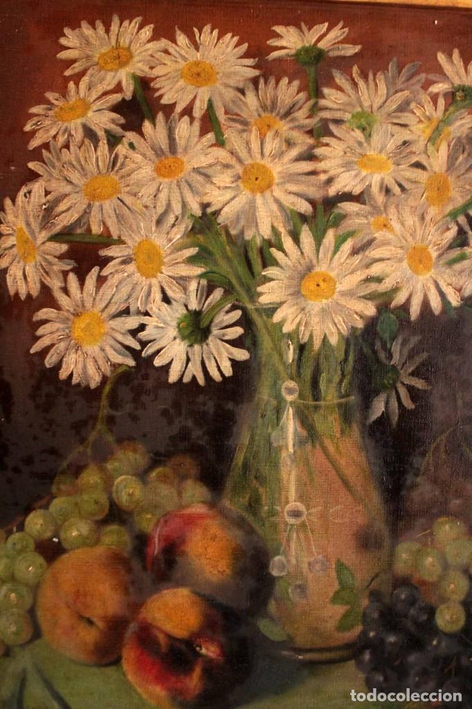 Arte: Bodegón con florero, oleo sobre lienzo. Esc. Valenciana s.XIX? firmado y enmarcado 69x60cm - Foto 3 - 253141640