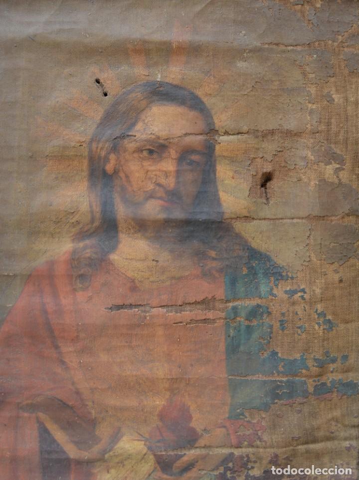 Arte: Sagrado Corazón de Jesús, pintura al óleo sobre tela, principios siglo XX, con marco. 50x38cm - Foto 2 - 253643580