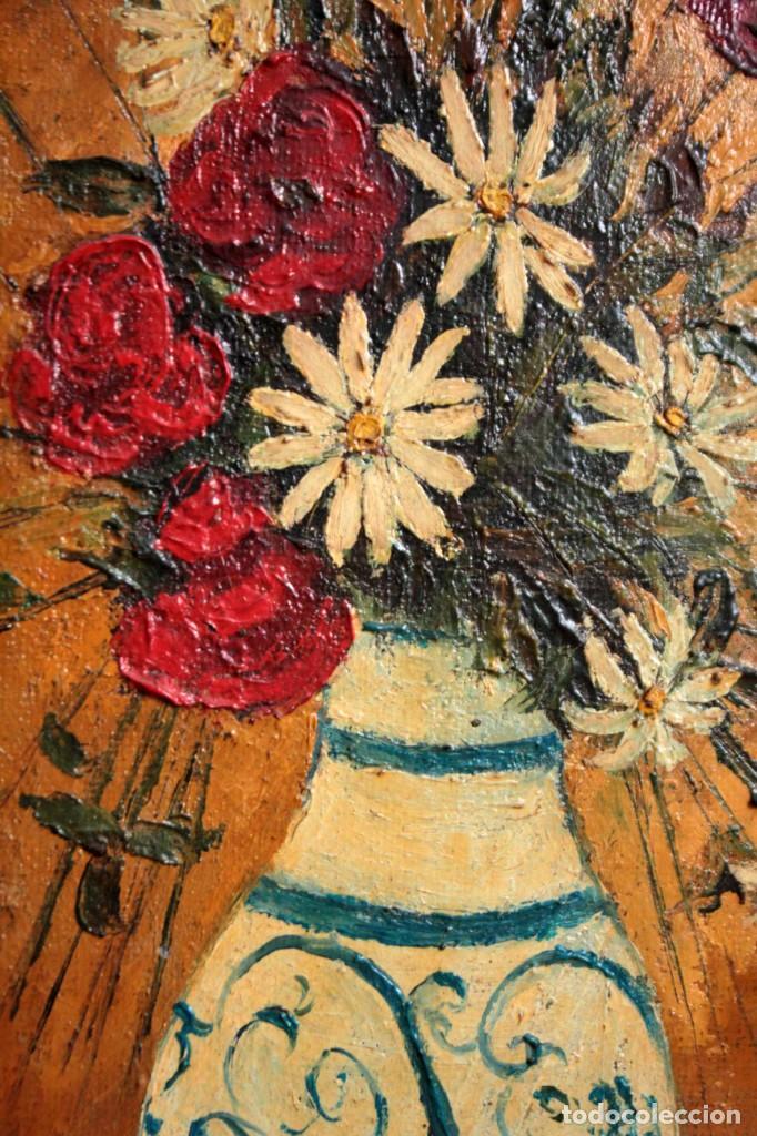 Arte: Florero pintado al oleo, firmado Roca 78, escuela valenciana o catalana. Con marco 42x30cm - Foto 4 - 271141943
