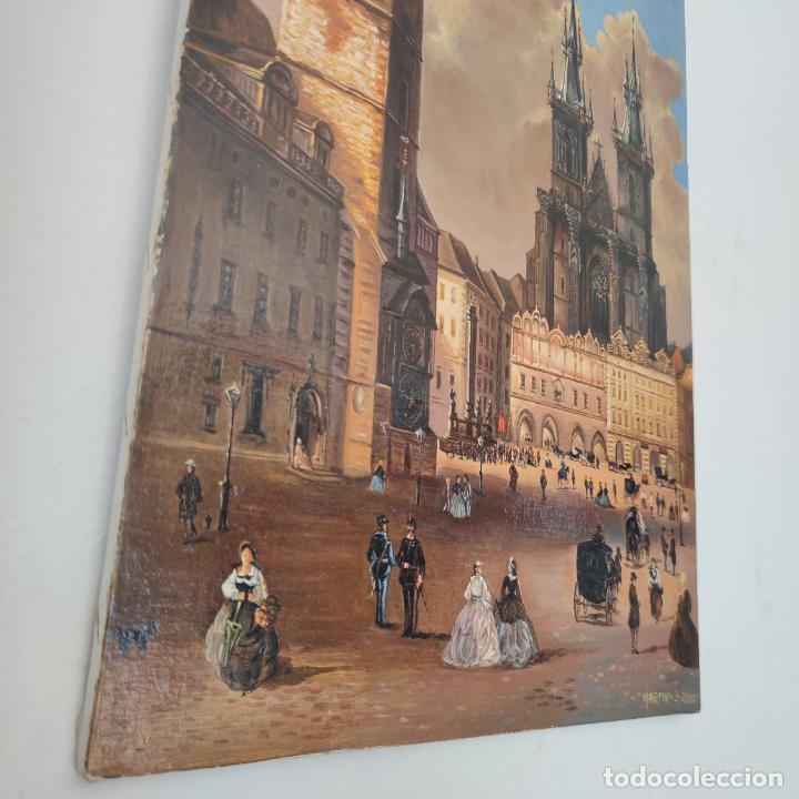 Arte: Oleo sobre lienzo. Ayuntamiento y plaza de la ciudad vieja. Praga. Copia firmada. Siglo XX. - Foto 2 - 287677603