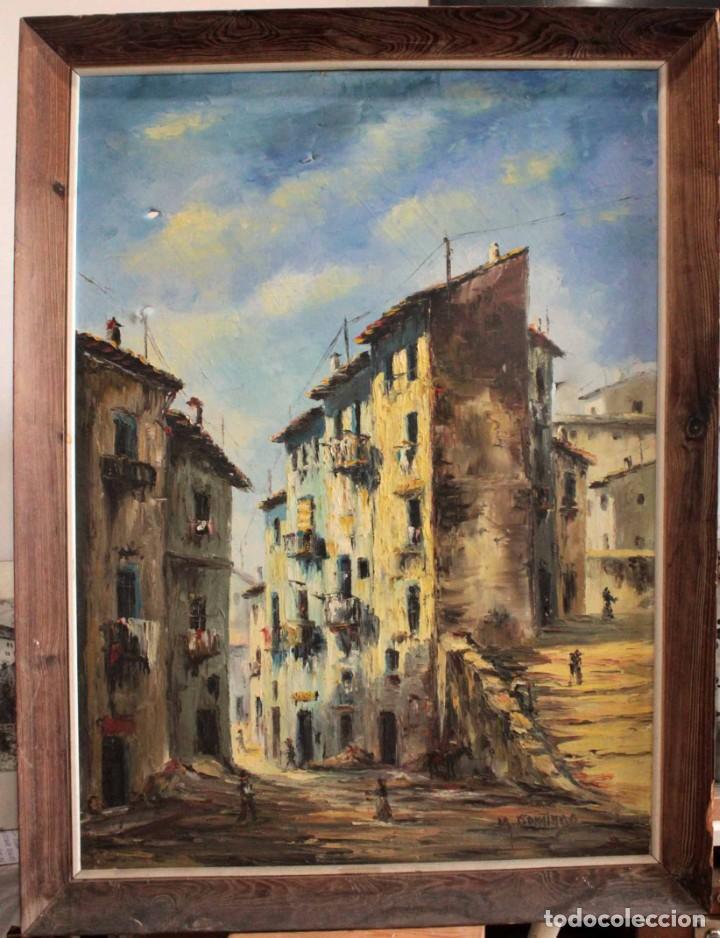 M.DOMINGO. ESC. VALENCIANA, CALLE DE PUEBLO. OLEO / LIENZO. GRANDE. ENMARCADO 112X85 (Arte - Pintura - Pintura al Óleo Moderna sin fecha definida)