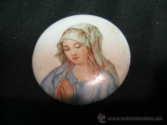 PLAFON, CON VIRGEN PINTADA A MANO, CERAMICA VIDRIADA. PP.SG.XX. 5 CM. DIAMETRO. (Arte - Arte Religioso - Pintura Religiosa - Oleo)