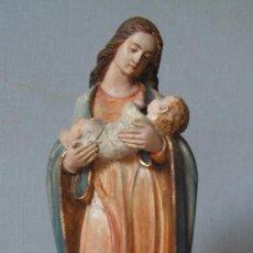 Arte: VIRGEN CON NIÑO. ESTUCO - ESCAYOLA POLICROMADO. FECHADA Y CON MARCA: DKH 1883. NEOGÓTICO.. Lote 14881424