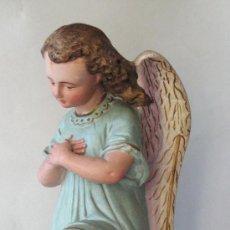 Arte: ÁNGEL DE ESTUCO - ESCAYOLA POLICROMADO. ART NOUVEAU. HACIA 1900. . Lote 14881536