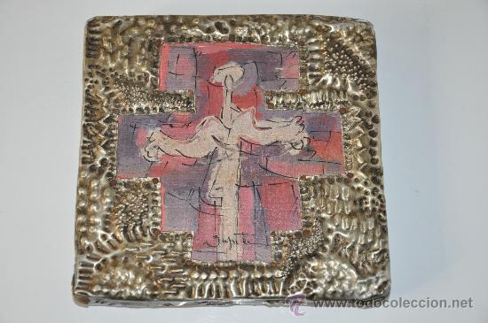 CUADRO RELIGIOSO PINTURA ORIGINAL FIRMADA Y CURIOSO MARCO CON EXVOTOS EN ESQUINAS EX-VOTO (Arte - Arte Religioso - Pintura Religiosa - Otros)