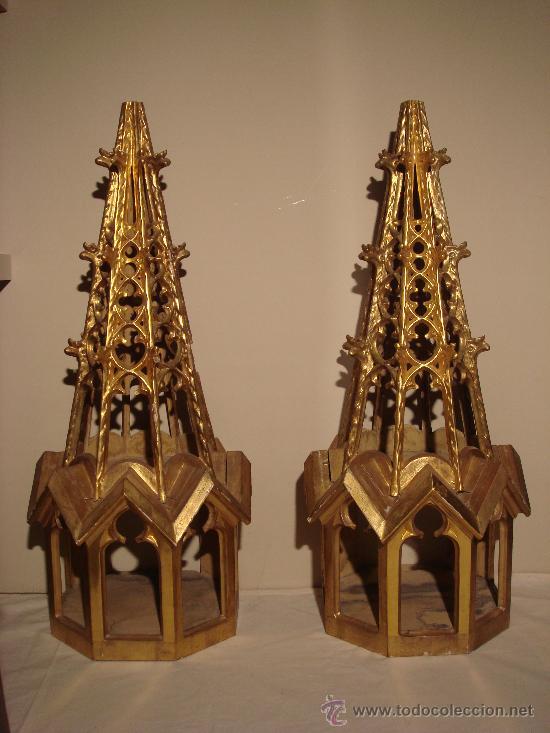 ANTIGUA PAREJA DE REMATES RETABLO EN MADERA CON DORADO ORIGINAL- ALTO APROX. 90 CM (Arte - Arte Religioso - Retablos)