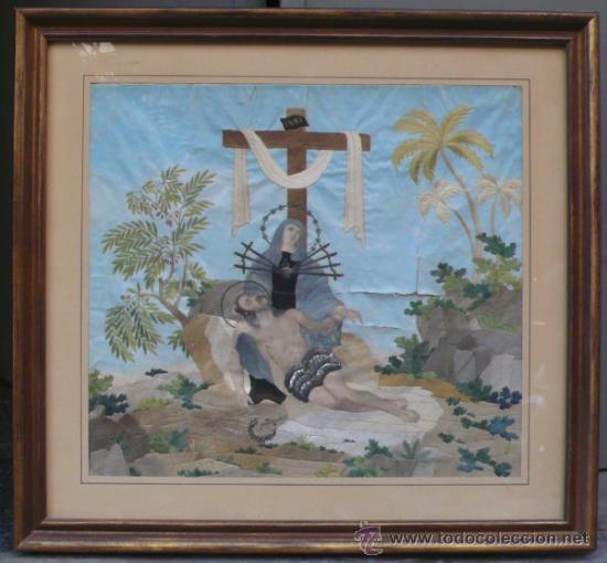 BORDADO DE UNA PIEDAD ENMARCADO, SIGLO XIX. MARCO: 75X71 CM. BORDADO: 55X50 CM (Arte - Arte Religioso - Pintura Religiosa - Otros)