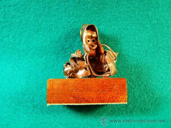 VIRGEN MARIA, NIÑO JESUS-FIGURA COBRE DE GUILLEM DURAN-SURROCA-5X4X2 CM + PEANA- MEDIADOS SIGLO XX. (Arte - Arte Religioso - Escultura)