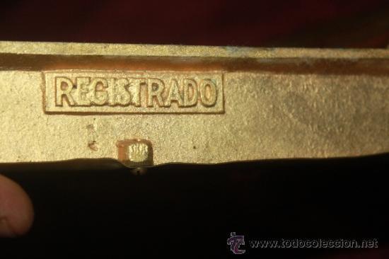 Arte: PRECIOSO TRIPTICO EN FORMA DE ALTAR NEOGOTICO EN BRONCE PARECE ESMALTADA - Foto 14 - 38646585
