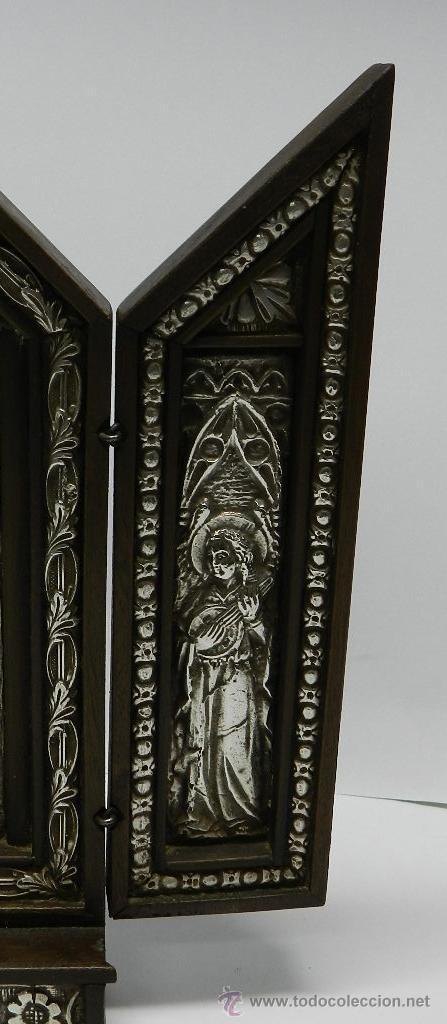 Arte: Triptico Altar de Madera y Plata antiguo y religioso, realizado en madera con interior de Plata, sig - Foto 4 - 48972738