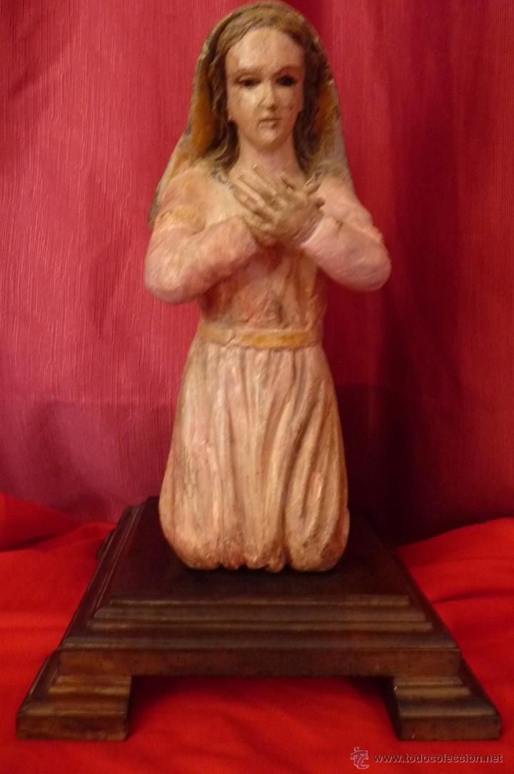 IMAGEN RELIGIOSA ANTIGUA TALLA VIRGEN MARÍA EN ACTITUD ORANTE POLICROMADA (Arte - Arte Religioso - Escultura)