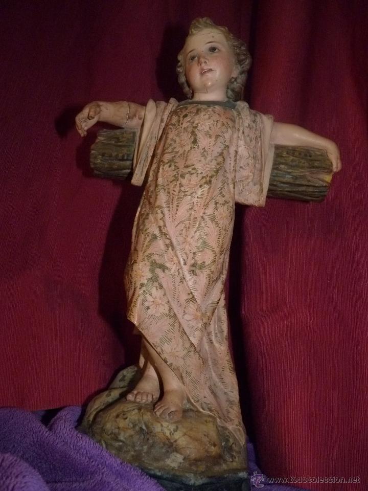 IMAGEN RELIGIOSA, BELLÍSIMO NIÑO JESÚS SOBRE CRUZ, DE OLOT GRAN TAMAÑO (Arte - Arte Religioso - Escultura)