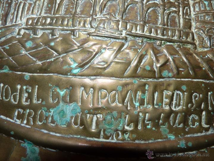 Arte: ORFEBRERÍA RELIGIOSA, PRECIOSO PLATO DE COBRE EN RELIEVE CATEDRAL DE SAN MARCO, FECHADO ROMA 1902 - Foto 6 - 41056394