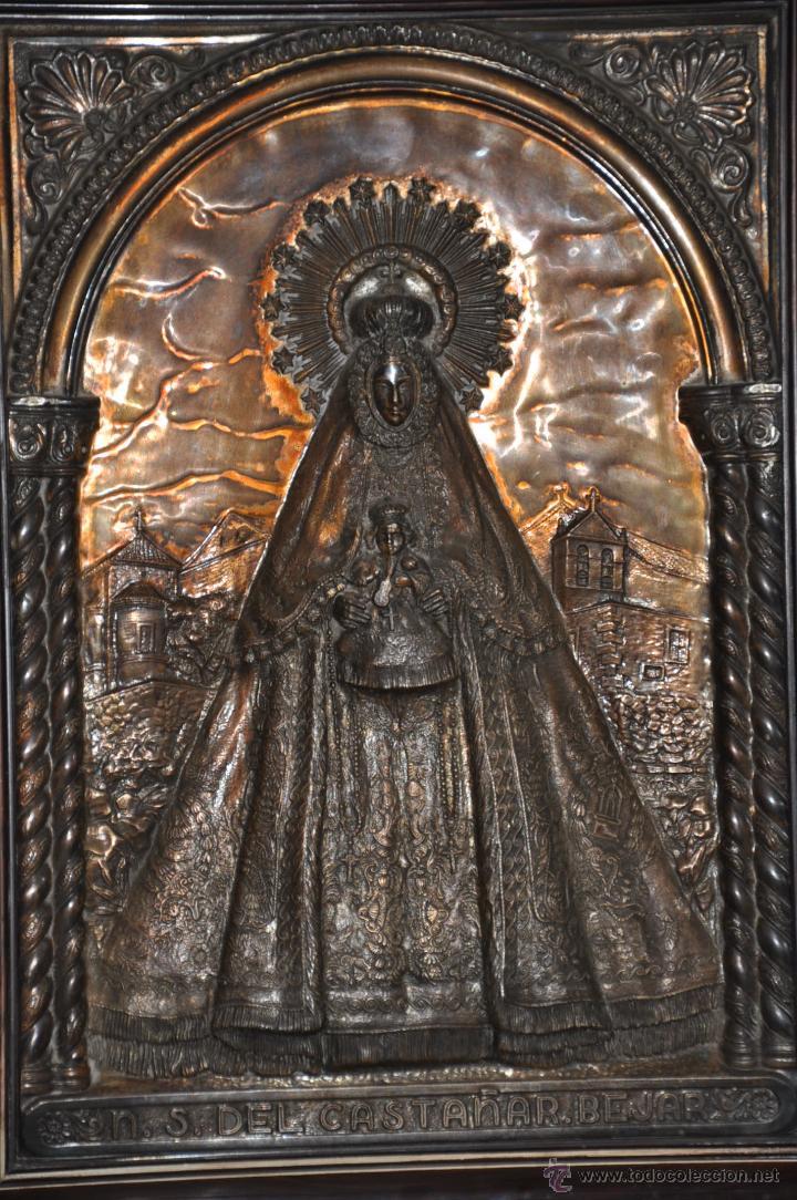 NUESTRA SEÑORA DEL CASTAÑAR BEJAR POR MORERA COBRE REPUJADO GRAN TAMAÑO Y ANTIGUO (Arte - Arte Religioso - Pintura Religiosa - Otros)