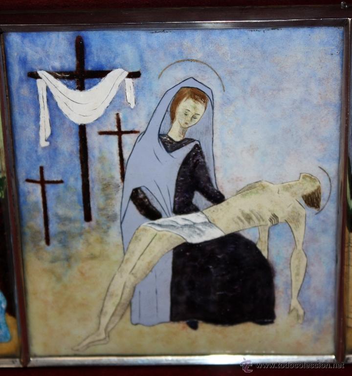 Arte: CONJUNTO DE 6 ESMALTES DE TEMA RELIGIOSO ENMARCADOS CON MARCO DE PLATA. CIRCA 1920. 14 CM X 73,5 CM - Foto 5 - 45623168