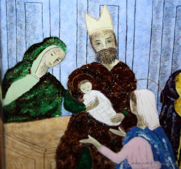 Arte: CONJUNTO DE 6 ESMALTES DE TEMA RELIGIOSO ENMARCADOS CON MARCO DE PLATA. CIRCA 1920. 14 CM X 73,5 CM - Foto 17 - 45623168