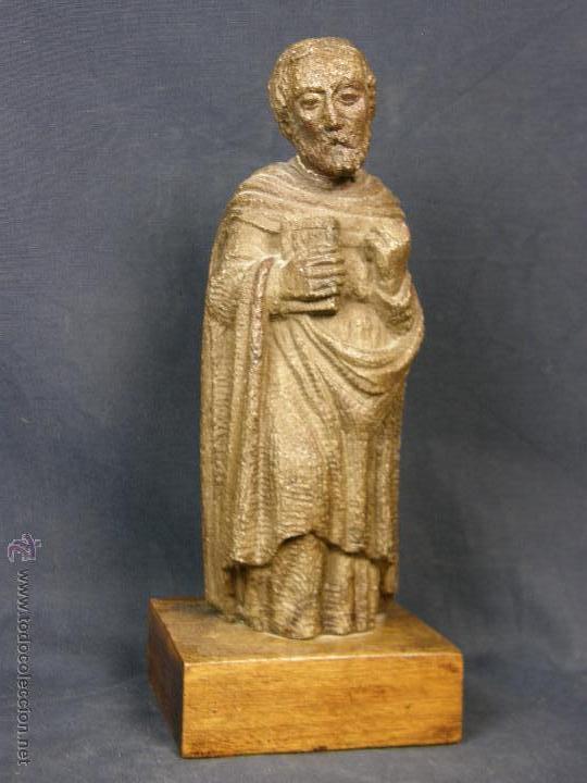 ESCULTURA SANTO EVANGELISTA CEMENTO O SIMILAR MOLDEADO INCISO BARNIZADO 2ª MITAD S XX 20X8X7CMS (Arte - Arte Religioso - Escultura)