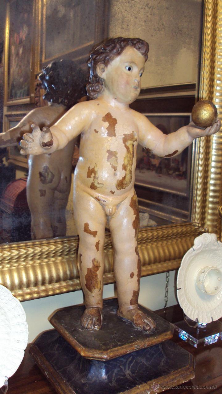 ESCULTURA NIÑO DE LA BOLA - SIGLO XVIII - MADERA POLICROMADA - (Arte - Arte Religioso - Escultura)