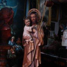 Arte: EXTRAORDINARIO SAN JOSÉ Y EL NIÑO JESÚS EN TALLA SXIX ESTOFADA Y CINCELADA, CORONA CON PIEDRAS 88CM. Lote 49328511
