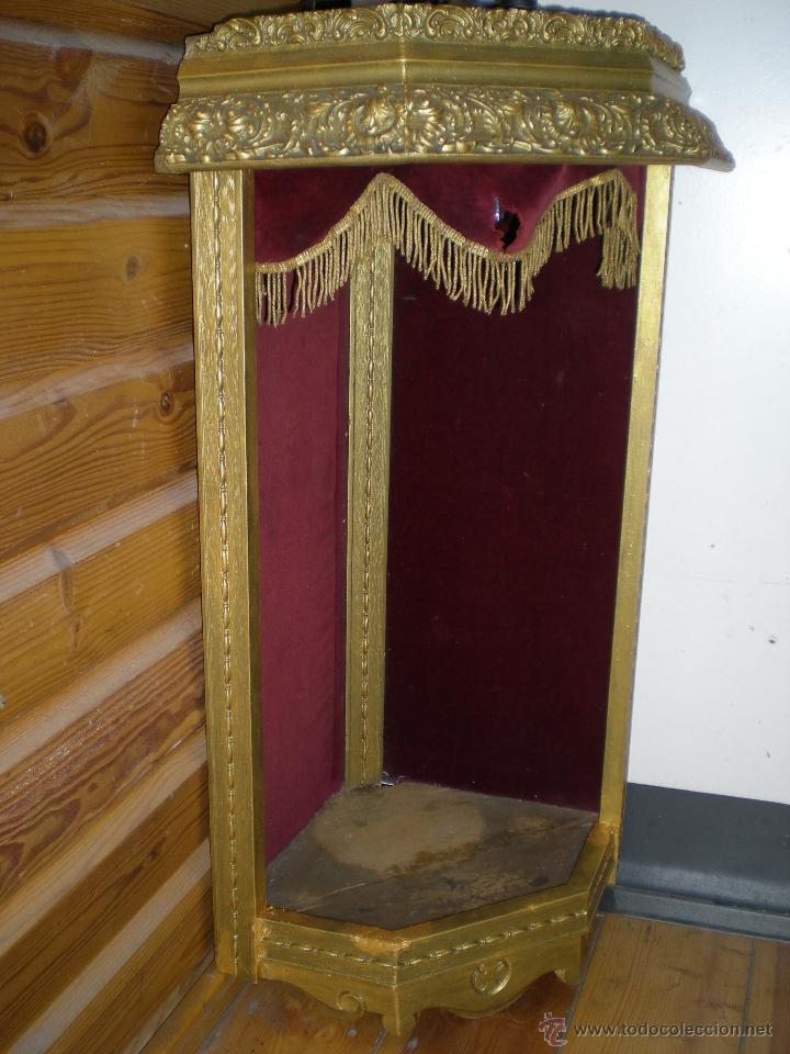 Arte: preciosa capilla antigua de madera tejido pasamanería metálica oro con iluminación siglo XVIII. - Foto 2 - 49418467