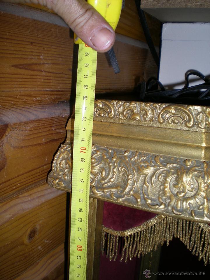Arte: preciosa capilla antigua de madera tejido pasamanería metálica oro con iluminación siglo XVIII. - Foto 3 - 49418467