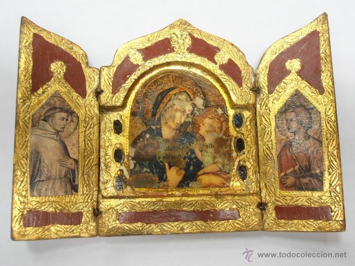 TRIPTICO DE MADERA PINTADO EN ROJO Y ORO (Arte - Arte Religioso - Trípticos)